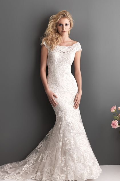 2013 Wedding Dresses Trumpet/Mermaid Scoop Chapel Train Lace Sleeves Zipper Up