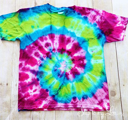 How to spiral tie dye a t-shirt plus a bonus tutorial on how to ...