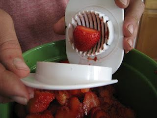 Quick and easy way to slice strawberries.  Why Didn't I Think of That?!