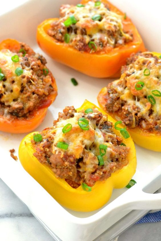 3. Turkey Quinoa Stuffed Bell Peppers #highprotein #meals http://greatist.com/eat/high-protein-meals-that-dont-involve-chicken