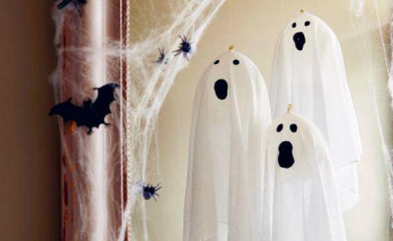 mit kindern basteln schwebende gespenster halloween und. Black Bedroom Furniture Sets. Home Design Ideas