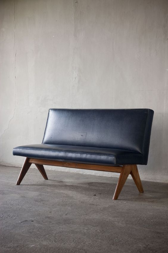 Love this chair by Pierre Jeanneret (Genève 1896 - Genève 1967) | from Axel Vervoordt