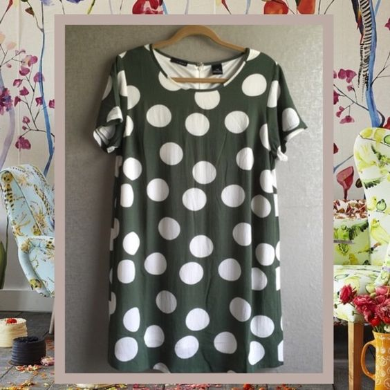 Kelly Green Polka dots Willing to trade! K by Kersh shift dress. Fully lined. Very flattering Prices are as listed and nonnegotiable ✅Use the Bundle Feature to receive 10% off 2 + items & save on shipping ❌But there are no additional discounts K by Kersh Dresses Midi