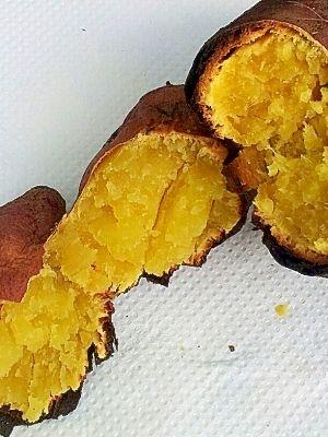 色がおいしそうな焼き芋です。