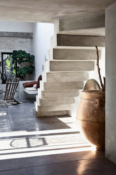 concrete simplicity.... lovely... yes.... Bruno Warion