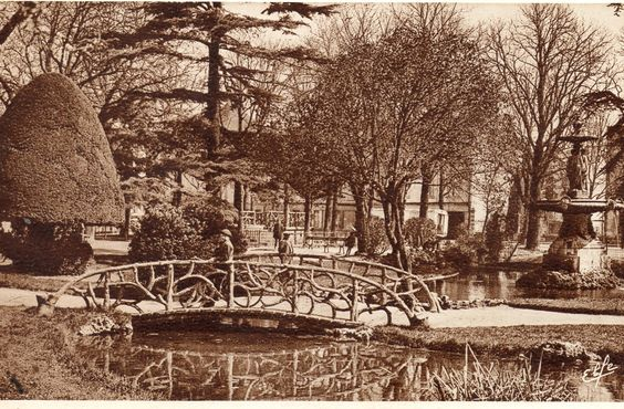 Agen , jardin du pin (1955 ?)
