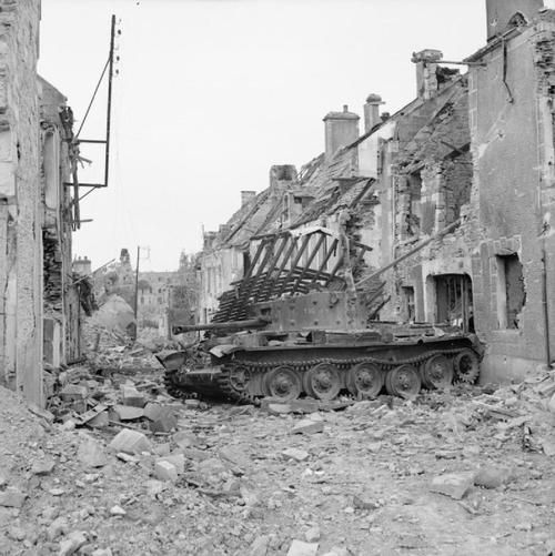 A knocked-out Cromwell of the 7th Armoured Division, 5 August 1944