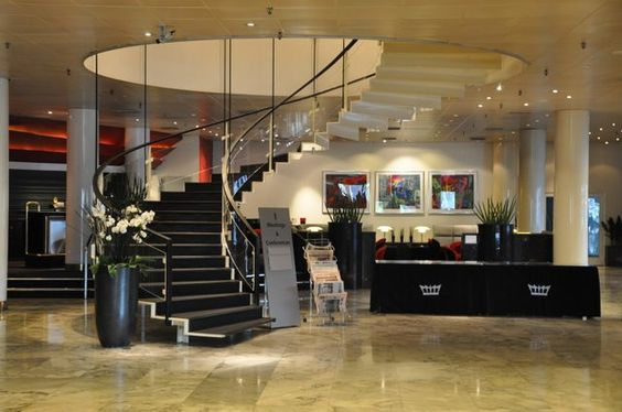 Arne jacobsen hotel lobby and lobbies on pinterest for Arne jacobsen hotel