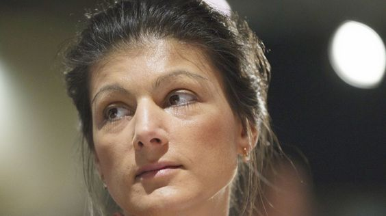 Die Fraktionsvorsitzende der Linkspartei Sahra Wagenknecht bedauert das Fehlen…