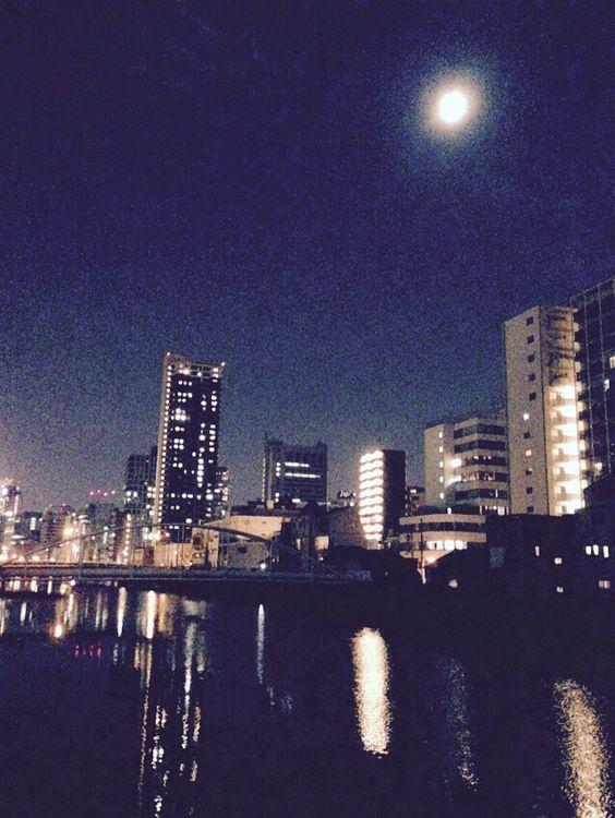 月と川の夜景( ̄(エ) ̄)v 土佐堀川
