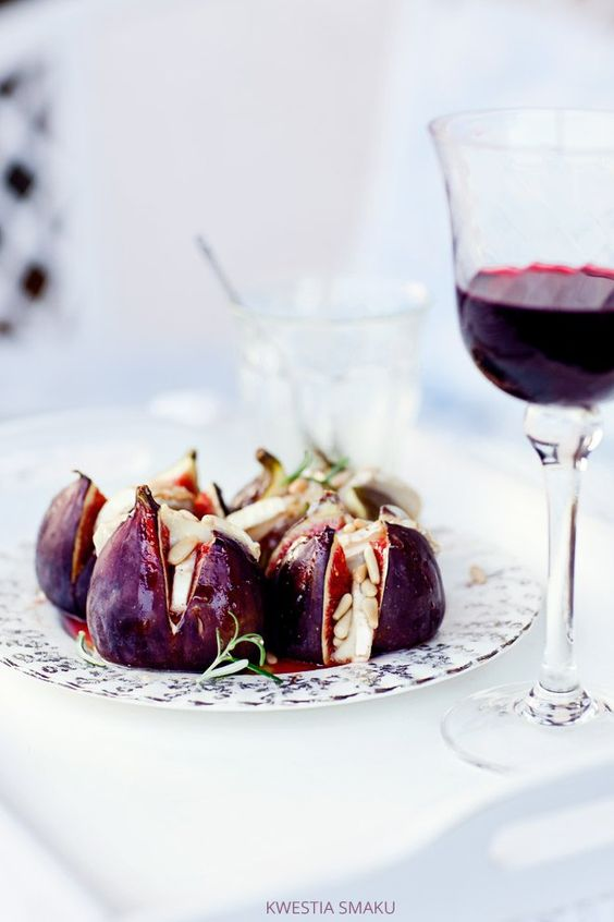 Roasted figs and goat cheese