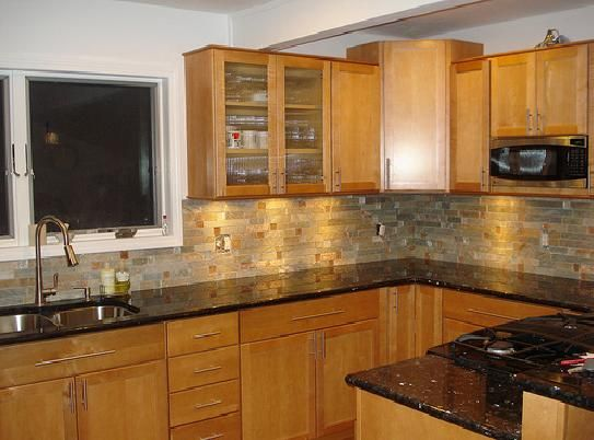Oak Cabinets Granite Countertops Colors And Granite On