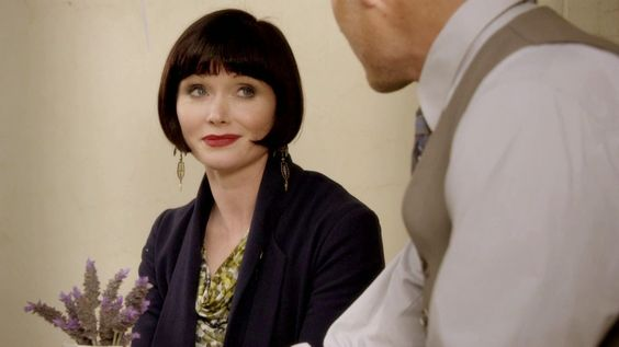 Miss Fisher's Murder Mysteries: Essie Davis as Phryne Fisher in Miss Fisher's Murder Mysteries: Season 1, Episode 11 - Blood And Circuses (2012)