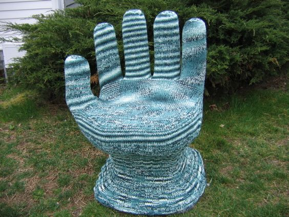 @Chara Blanch : If my hand chair doesn't sell on craigslist you are so making a glove like this for it! (But in a cooler pattern please!)