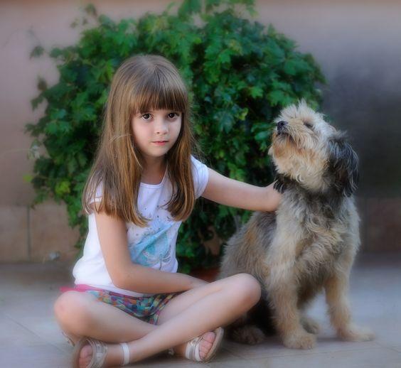 Posando con su mascota