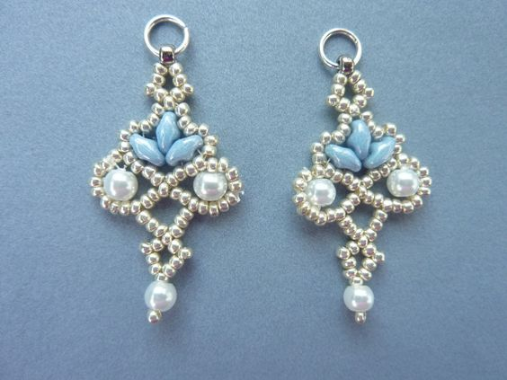 DIY Jewelry: FREE beading pattern for lacy Twin Floret Earrings, made from twin or Superduo beads, Czech 11/0 seed beads, and 4mm pearls.