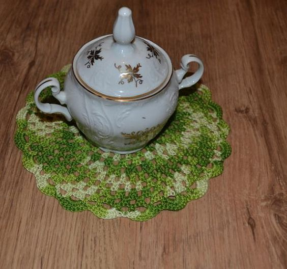 A set of 6 crochet tee/coffee cup napkins. by SecretsOfHandmade