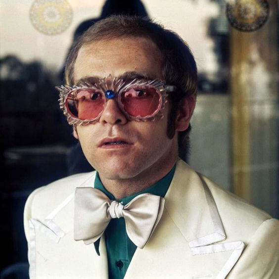 Elton John – Curtains (single cover art)