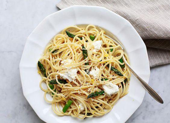A satisfying meal in less than 15 minutes? It's possible with this simple yet elegant pasta dish