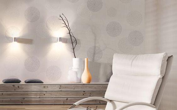 Wandgestaltung Mit Tapete Und Farbe : Schlichte Tapete mit hellen Kreisen * wei?e Wandgestaltung * Ideen