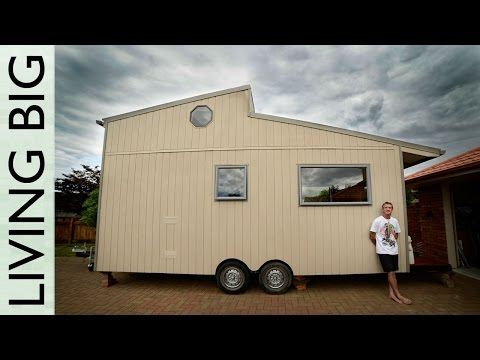 Amazing DIY Off Grid Modern Tiny House YouTube I love this