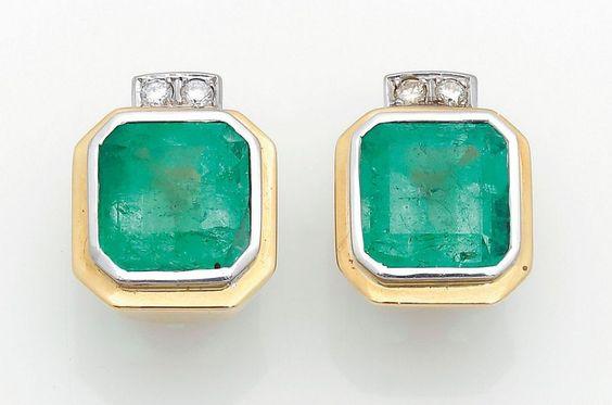Paar repräsentative Smaragdohrringe Gelbgold, teilw. mit Weißgold verbödet, gest. 750. Zentral be — Schmuck