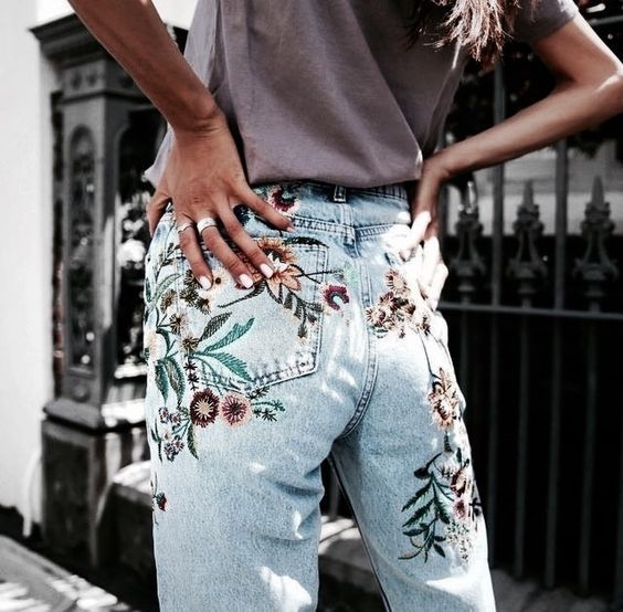 Embroidered floral denim jeans: