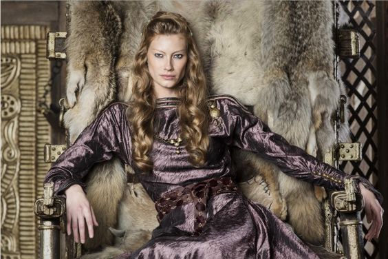 vikings-season-4-alyssa-sutherland