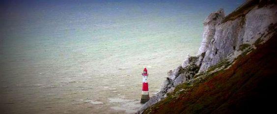 Beachy Head: Romantisch und traurig zugleich. Die Story auf dem Reiseblog www.anderswohin.de unter http://www.anderswohin.de/2012/09/beachy-head-romantisch-und-traurig.html