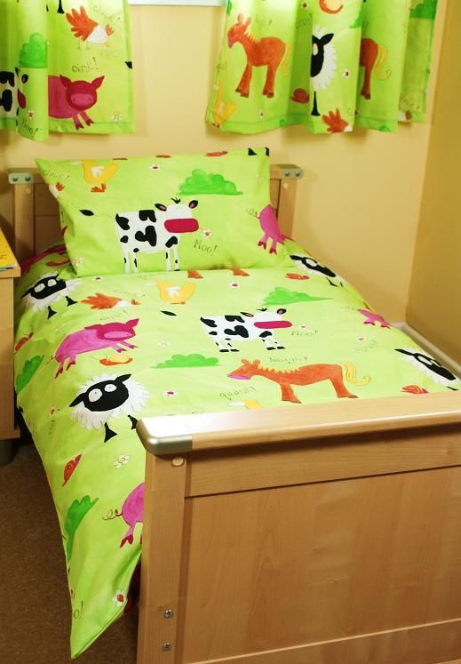 Bright toddler bedding set in farm animal print £29.95 Hippins for ...