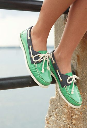 adorable shoes: Green Shoes, Colored Sperrys, Boat Shoes, Green Sperrys, Adorable Shoes, Boater Shoes, Sperry Shoes