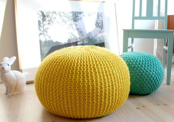 Un pouf en laine fait maison