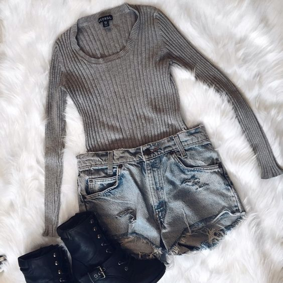 """Ribbed Sweater Perfect tucked into a pair of high waisted ripped shorts for a perfect movie night out  (MEASUREMENTS Bust *flat* 13"""" Arm Length 21"""" Length 20"""") George Sweaters Crew & Scoop Necks"""