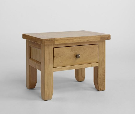 www.bonsoni.com/duvall-oak-one-drawer-lamp-table-thick-oak-tops-completing-the-beautiful-country-farmhouse-look  Crafted from solid American Oak and carefully-selected Oak veneers. Solid wood drawer boxes, with beautifully-finished dovetail joints.  www.bonsoni.com/duvall-oak-one-drawer-lamp-table-thick-oak-tops-completing-the-beautiful-country-farmhouse-look
