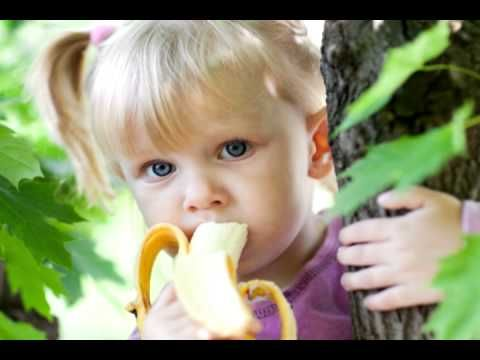 Watch Apples and Bananas music video for kids. Super fun