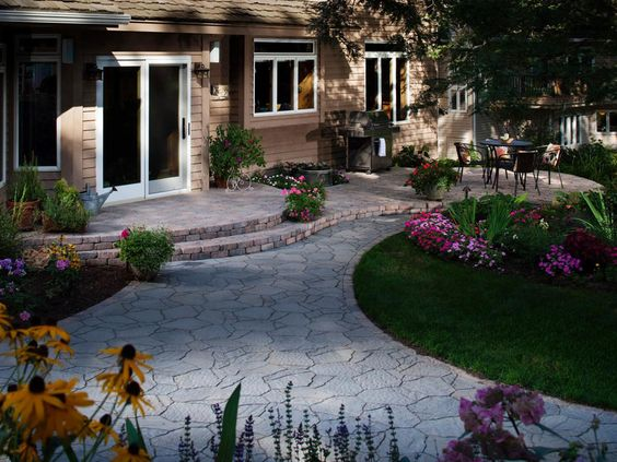 House Walkway And Patio Ideas Illustrated With Pictures (5)
