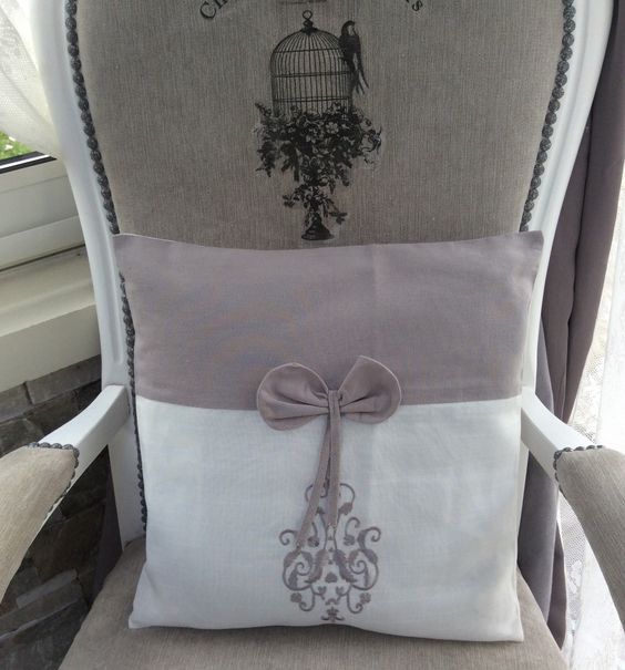 Housse de coussin 40x40 blanc gris noeud broderie shabby for Tapis shabby chic