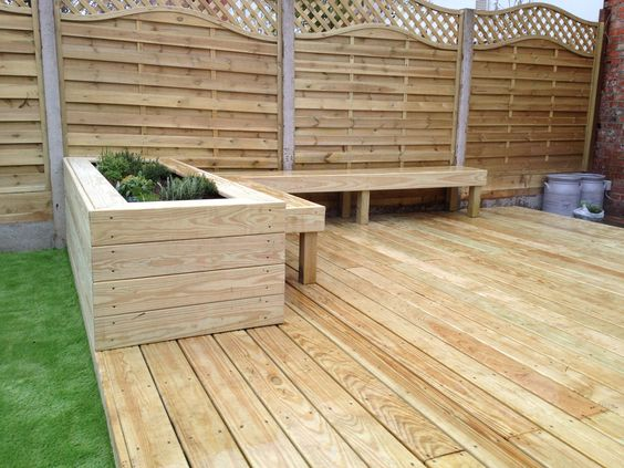 Nice decking area with a planter and a bench seat great use of the space. Garden completed by our member Groundteam Limited, see more of their great work here - https://www.experttrades.com/trade/groundteam-limited/gallery #garden #decking #deckingarea #woodenplanters #gardenbench #home #patio #inspiration