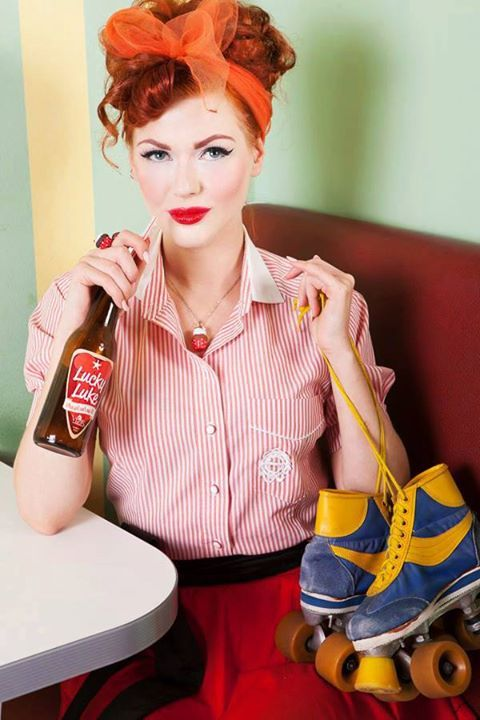 50s Pin Up Girl Rock N Roll Pin Up