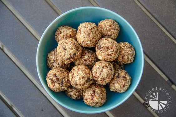 Oatmeal No-Bake Bites (vegan, gluten-free) - Vegetarian Gastronomy