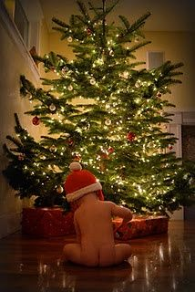 This would be an awesome Christmas Card idea for baby's first Christmas.