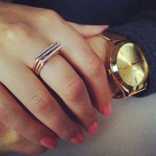 14k Gold Bar Ringe, Stacking Ring, Diamond Bar stapelbar Ring-Set, Diamantring, Bar Ring, 14KT Gold Stapeln Ring Set von MichaelGabriels auf Etsy https://www.etsy.com/de/listing/199796917/14k-gold-bar-ringe-stacking-ring-diamond