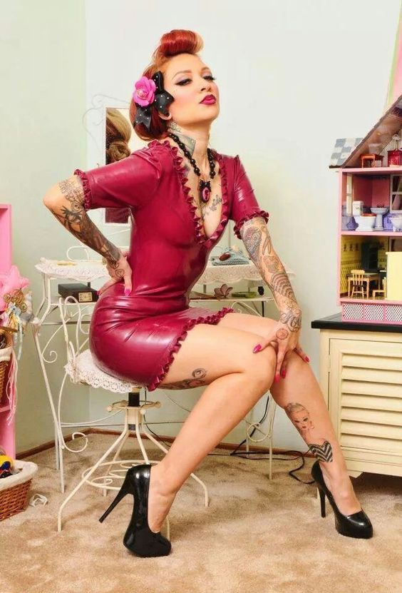 Pin up style photo with some nice tattoos