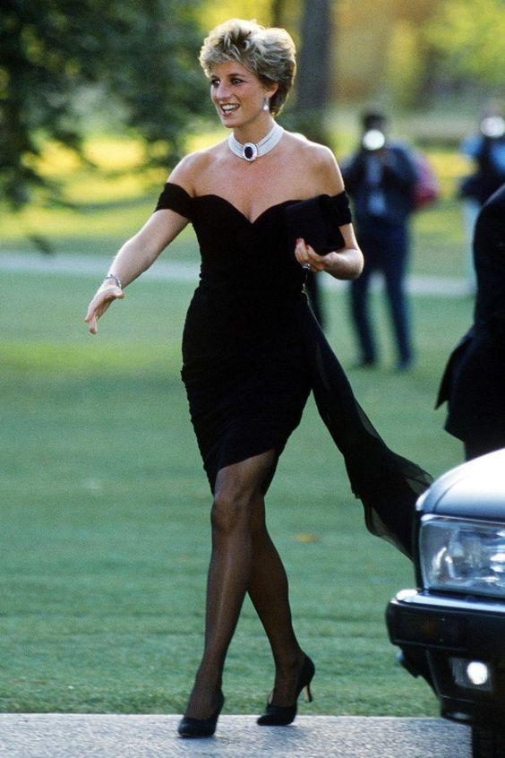 Gosto Disto!: Evolução do vestido pretinho básico, dos anos 20 até hoje