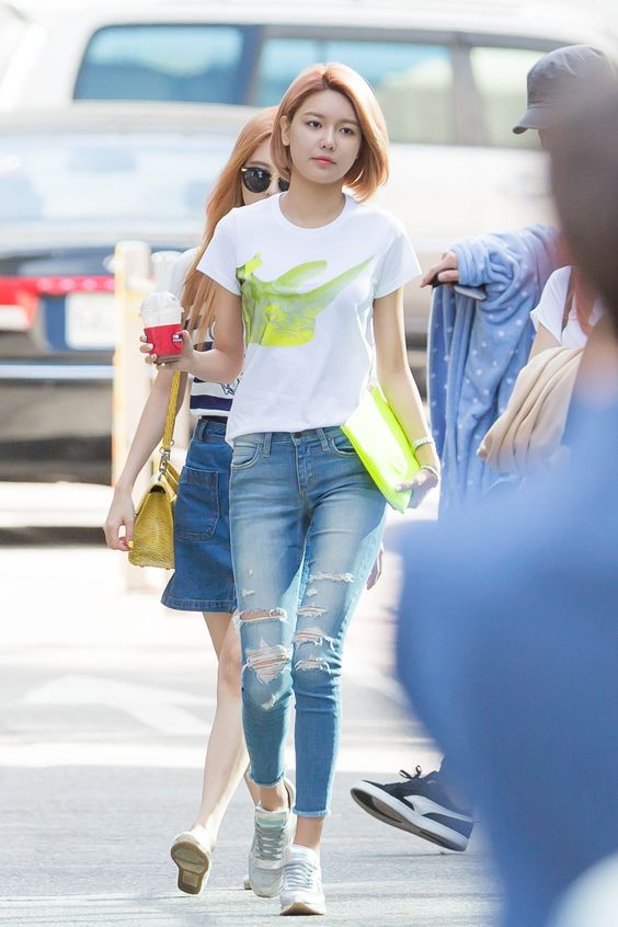 Simple And Casual Snsd 39 S Sooyoung Fashion Street Is So Adorable Fashion Pinterest