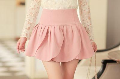 Me encanta su minifalda