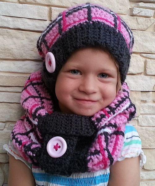 Kinderschlauchschal mit Karo-Muster von kreativhäkelshop auf DaWanda.com