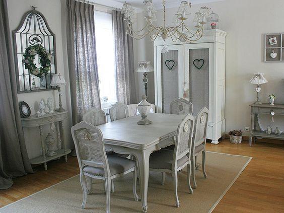 Un espace repas au gris charmant shabby chic chic et shabby for Maison de valerie catalogue