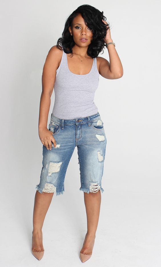 Grey and denim. Two of my my faves. She is rocking this simple but fab look!: