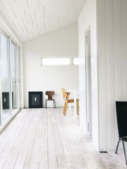 White wood floors: All White, White Spaces, White Wooden Floor, White Painted Floors, White Floors, White Interiors, White Room